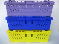 Stack nest produce trays